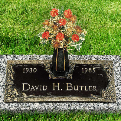 DHB_Bronze_headstone_1_Gallery